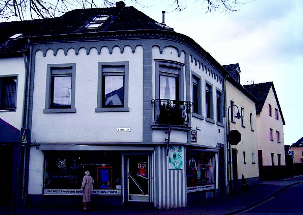 Dieses Gebäude wurde im Flurbuch von Schweich 1820 als Synagoge erwähnt. Möglicherweise handelte es sich jedoch lediglich um einen Betraum.